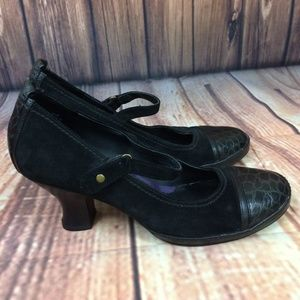 Indigo by Clarks Low Heel Black Mary Janes Size 8